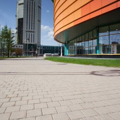 Тротуарная плитка  Квадрат (3К8ф) НОБЕТЕК Колор Микс 140х140х80 серый цемент- частичный прокрас, цвет в ассортименте