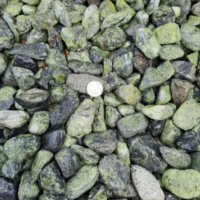 Галька из змеевика галтованная 20-40 мм